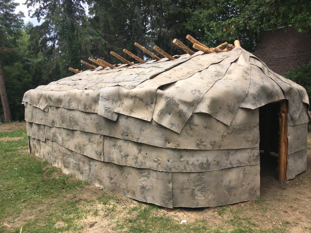Habitation traditionnelle Kwigw8mna